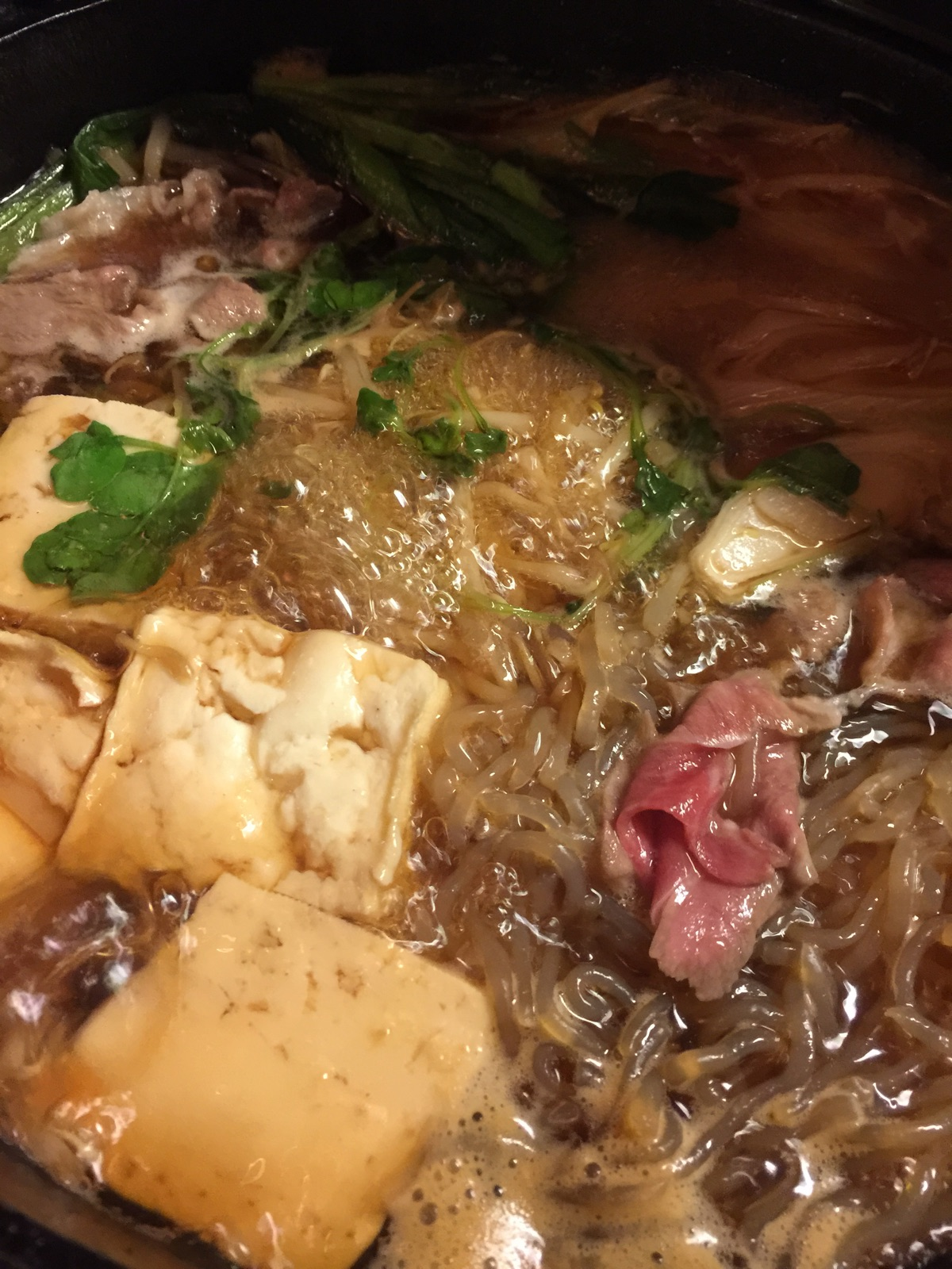 羊肉のすき焼きを食べてみた。目黒のジンギスカン「カブト」