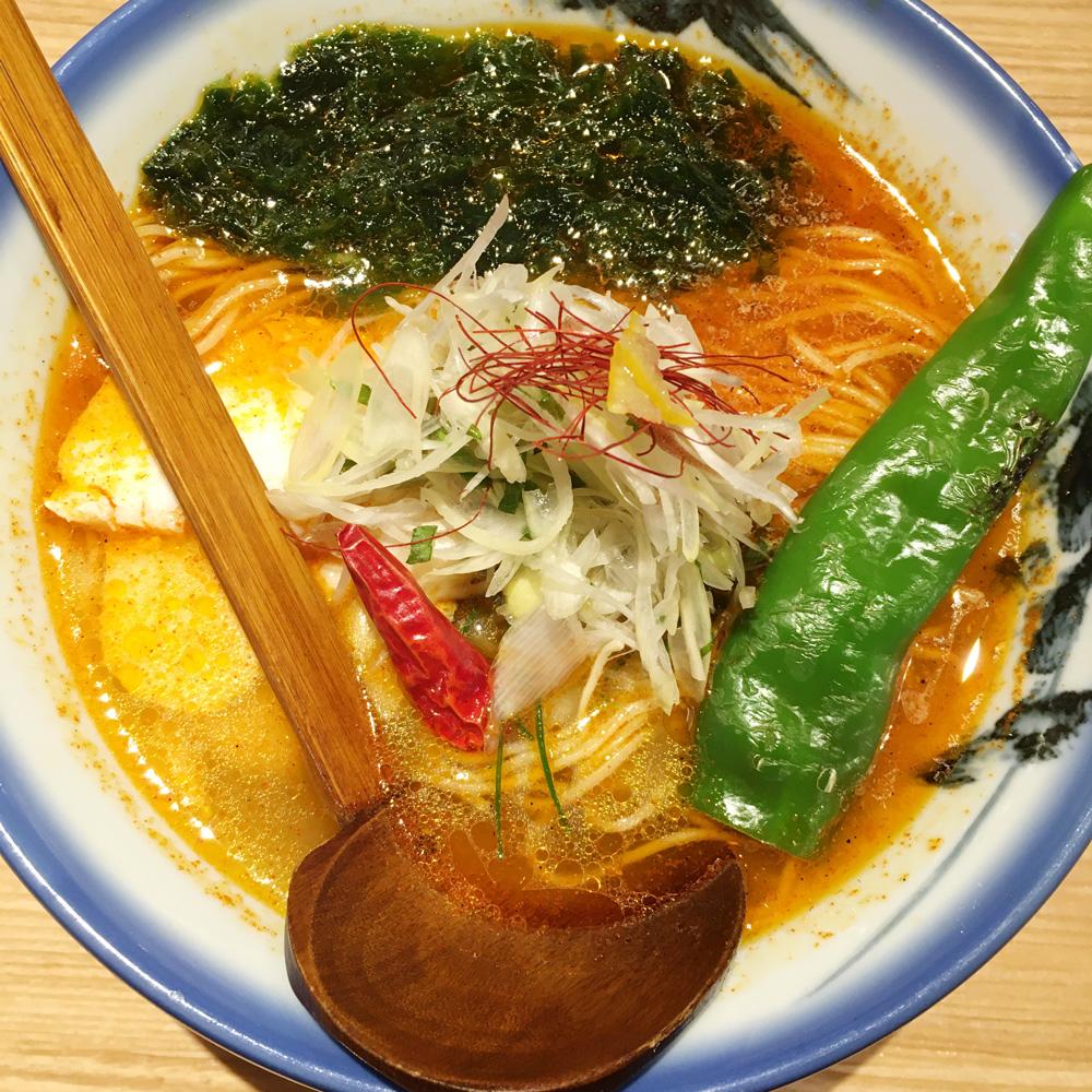 真っ赤なAFURIのラーメン!新宿地下街のマンガ売り場がラーメン屋「AFURI」の「辛紅」になっていた!